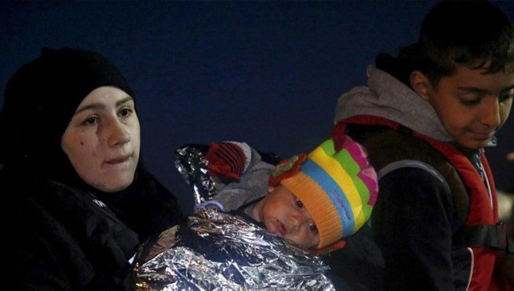 Imagen de varios de los niños en un campamento en Lesbos