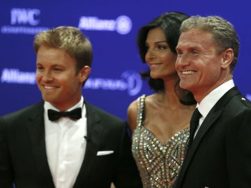 Rosberg junto a Coulthard y su mujer
