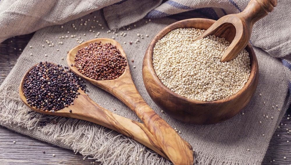 Semillas de lino, quinoa, espirulina… ¿Cómo puedo incorporar superalimentos a mi dieta?