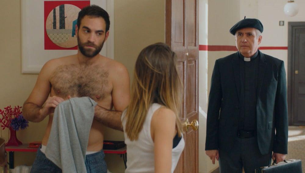 El padre Pascual pondrá a prueba la relación de Carmen e Iñaki