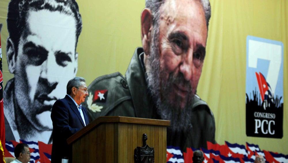 Raúl Castro pronuncia un discurso