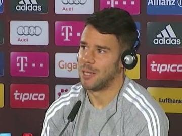 Juan Bernat, durante una rueda de prensa
