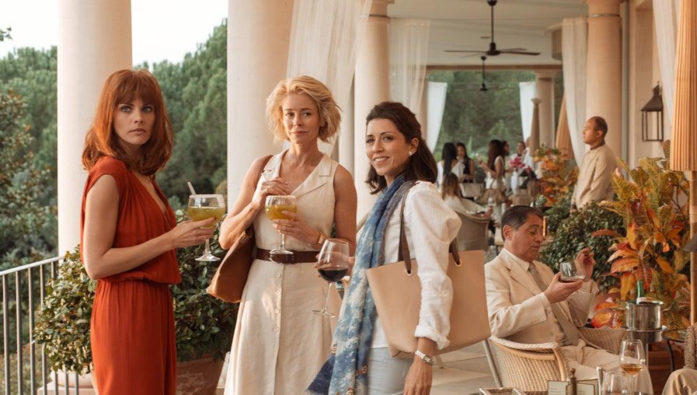 Primer contacto entre Fátima, Claudia y Olga