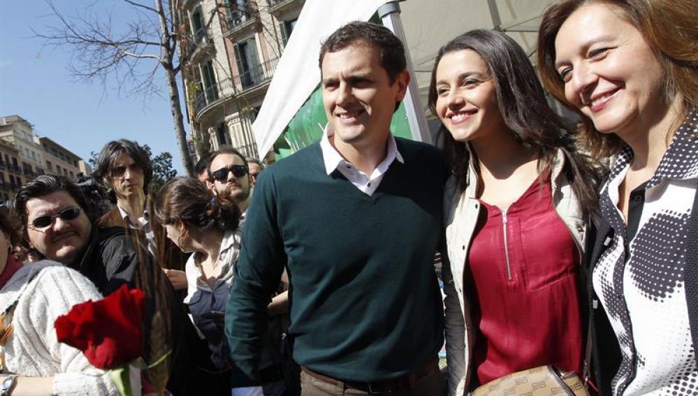 """Rivera sobre PP y Podemos: """"Intentan bloquear la legislatura para que haya repetición de elecciones y repartirse las cartas"""""""