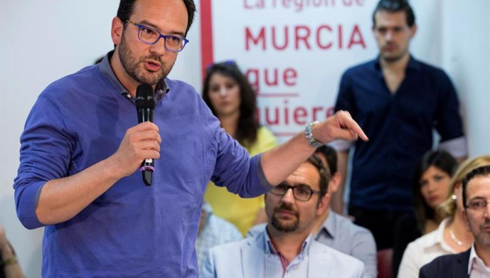 Antonio Hernando en un acto del PSOE en Lorca, Murcia