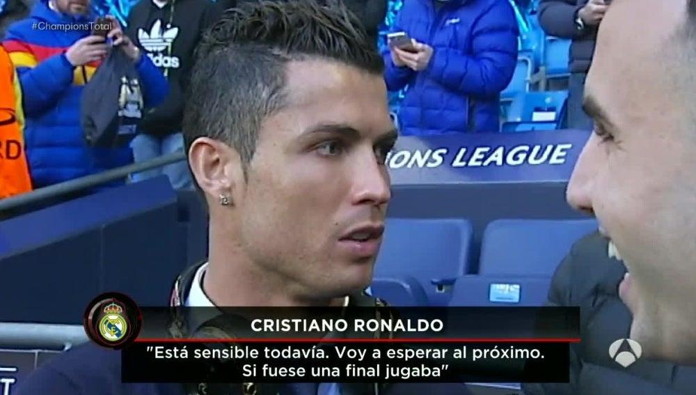 Cristiano Ronaldo, en la banda del Etihad Stadium