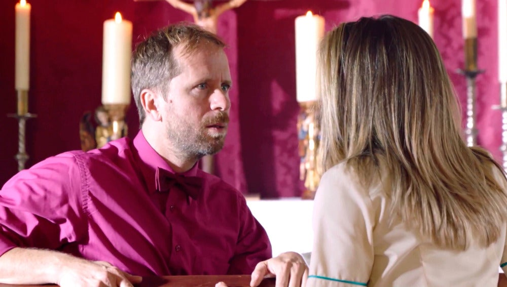 Rafi aconseja a Carmen, desesperada tras su desliz con Rober