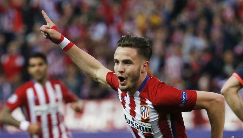 Saúl celebrando su gol ante el Bayern
