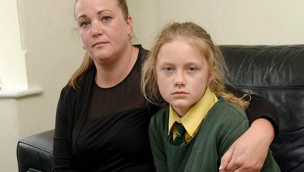 Michelle Smith junto a su hija Amelia