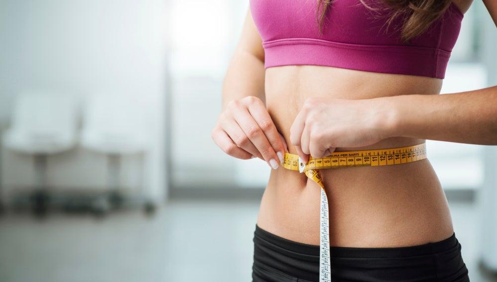 Seis alimentos aliados para conseguir un vientre plano sin matarnos a abdominales