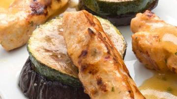 Karlos Arguiñano en tu cocina: Mini pinchos de pollo con verduras gratinadas - (28-04-16)
