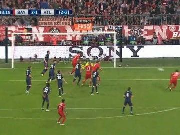 Oblak evita el 3-1 del Bayern en la recta final