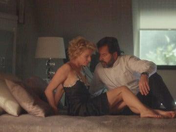 Claudia le confiesa a su marido que no pasó la noche sola