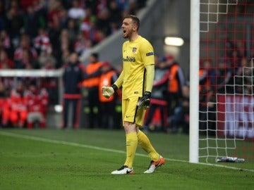 Oblak, eufórico tras detener el penalti a Muller
