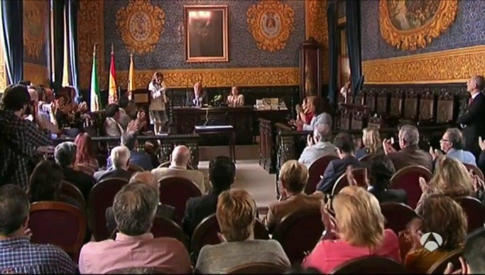 Frame 7.405521 de:  Algeciras dedica su Feria del Libro a José Manuel Lara Bosh