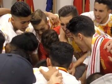 La selección española sub-17, antes de un partido del Europeo