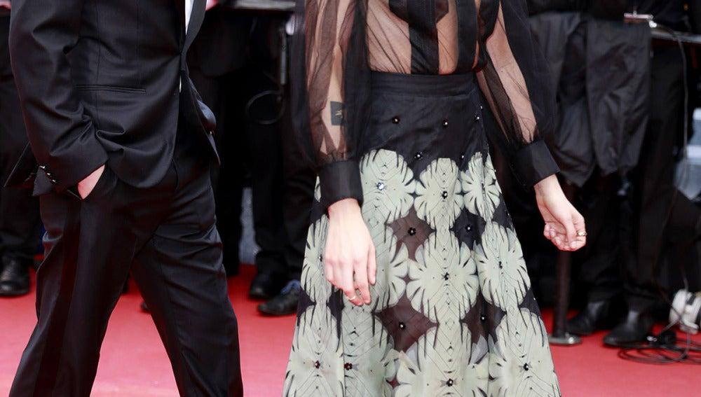 Kristen Stewart jugó con sus transparencias
