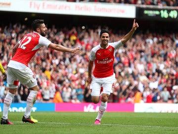 Mikel Arteta celebrando uno de los goles del equipo