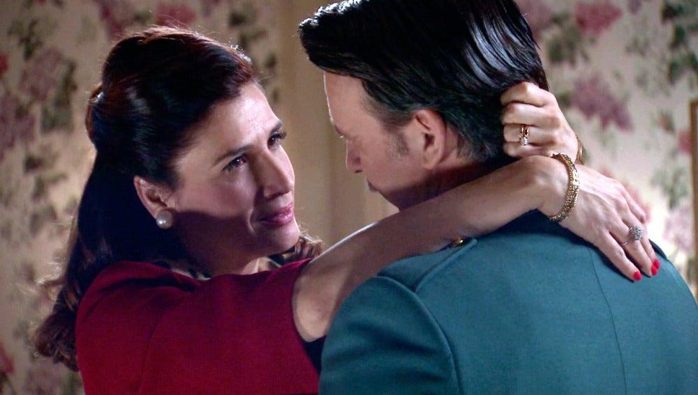 Adela y Tomás se reconcilian