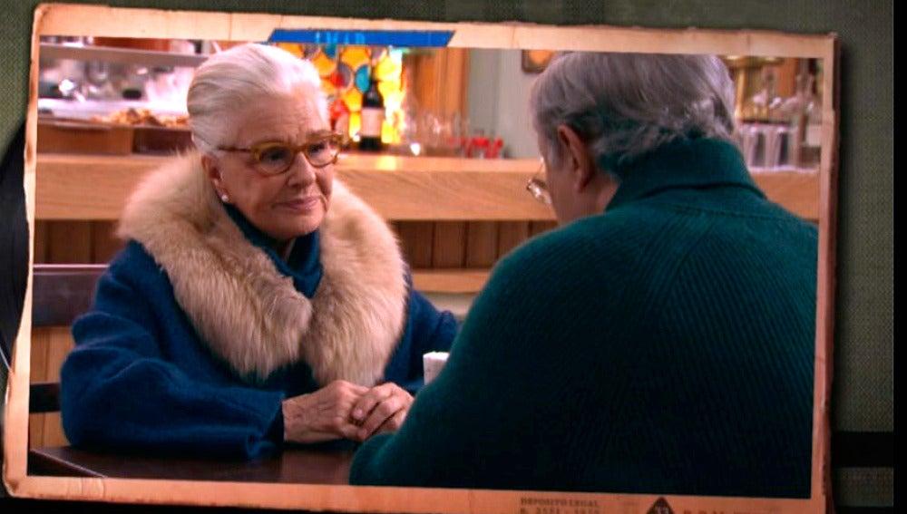 Emilia le pide a Pelayo que le guarde su secreto