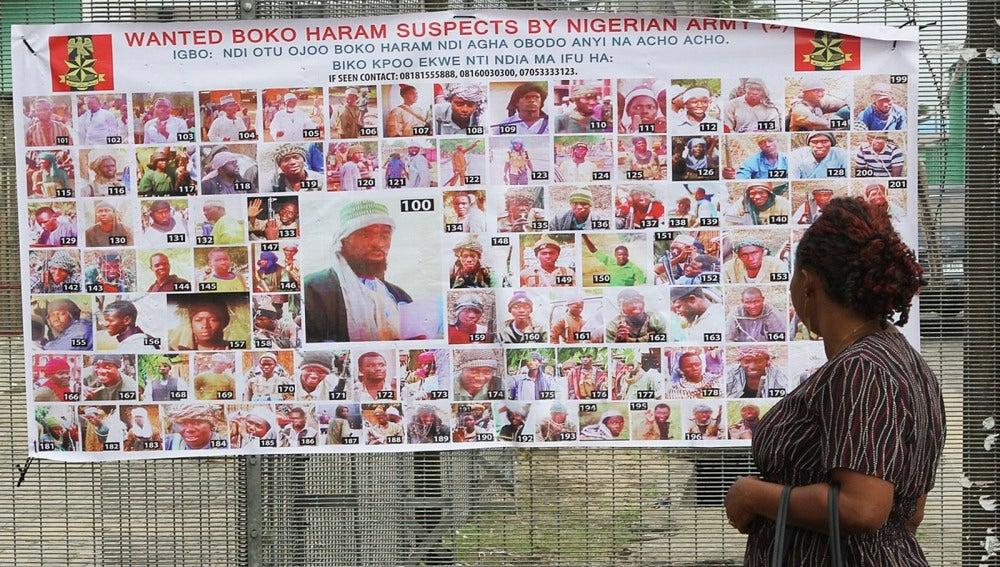Cartel en el que aparecen sospechosos de pertenecer a Boko Haram