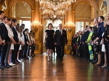 La reina Matilde y el rey Philippe de Bélgica en el homenaje a las víctimas