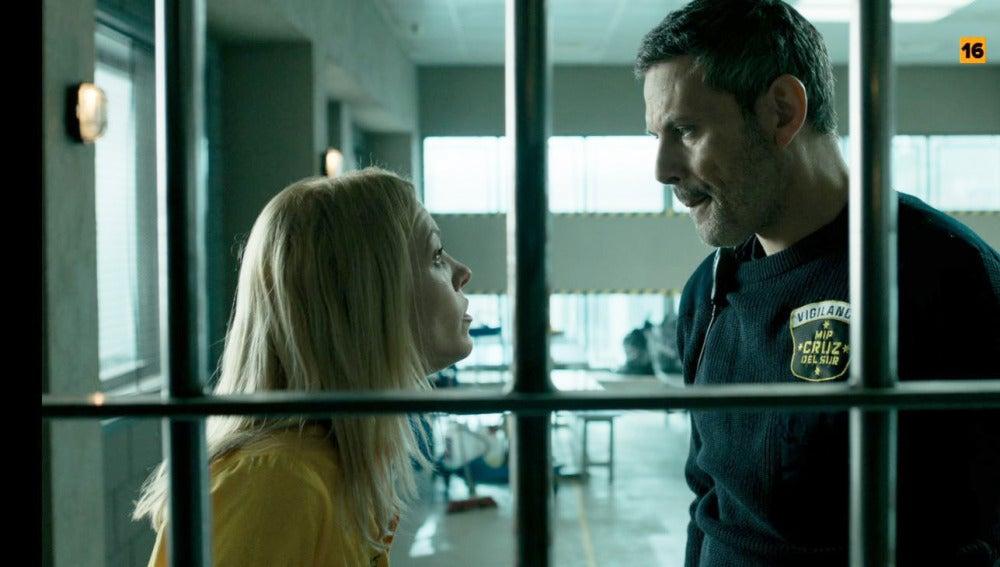 Macarena le pide explicaciones a Fabio sobre su relación con Helena