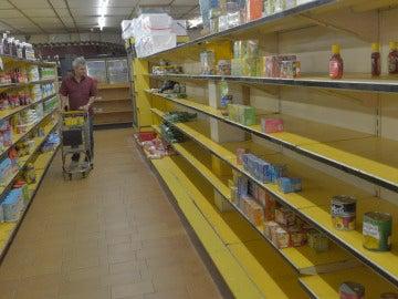 Estantes vacíos en Venezuela