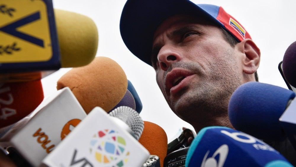 Henrique Capriles ante la prensa