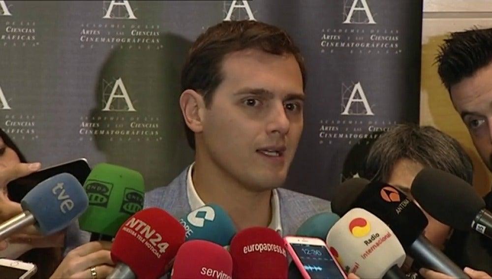 Frame 3.854112 de: Rivera pide a Rajoy no venda humo como Podemos y no prometa cosas inviables