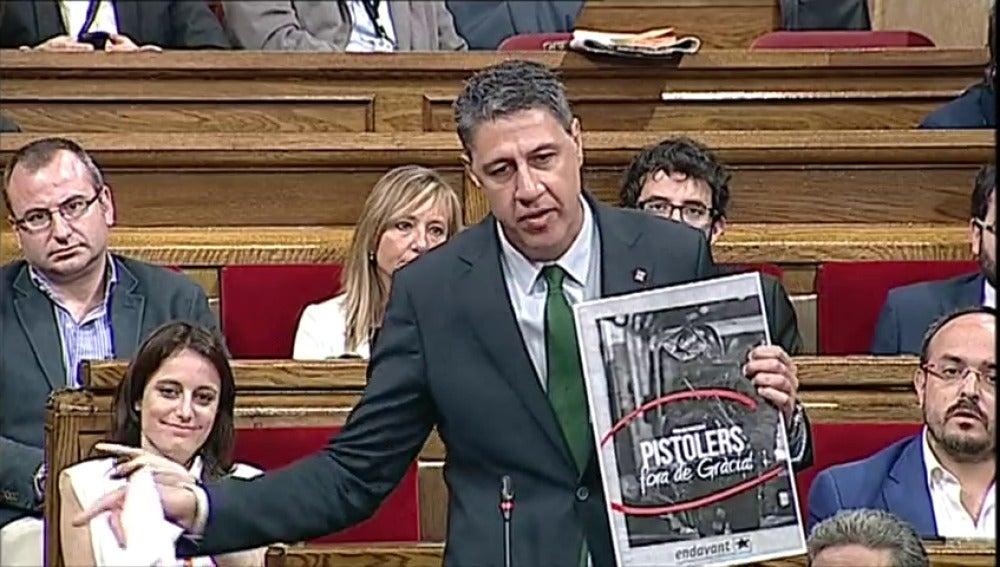 Frame 20.321835 de: Albiol acusa a Puigdemont de dar órdenes políticas a Mossos