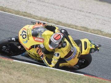 Alex Rins rueda en Cataluña
