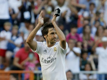 Raúl Gonzalez, de nuevo en el Bernabéu
