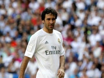 Raúl, en un partido con el Real Madrid
