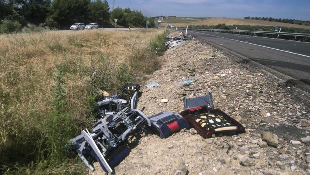 Restos del accidente de autocar que tuvo lugar en Córdoba.