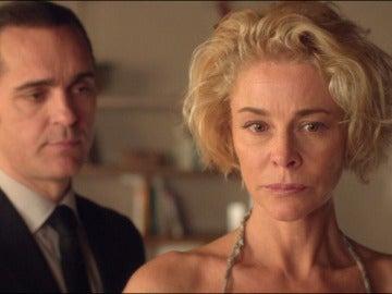 ¿Ha descubierto Villar las mentiras de Claudia y Carlos?