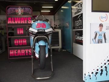 La moto de Luis Salom, en su garaje