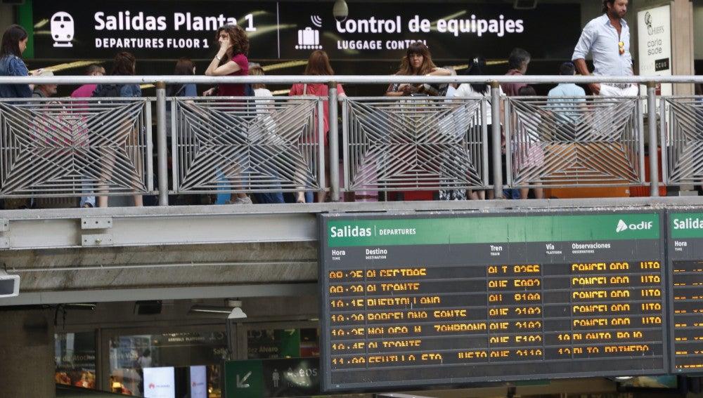 Panel informativo en la estación de Atocha