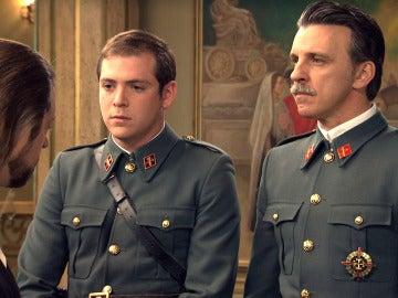 Guillermo y Tomás detienen a Sandro