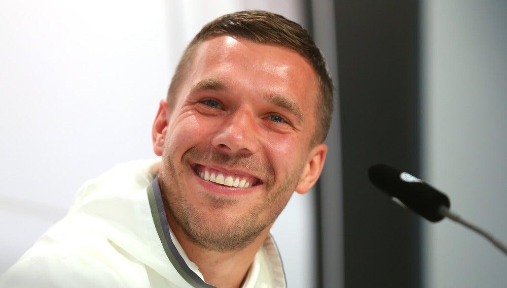 Podolski, en rueda de prensa
