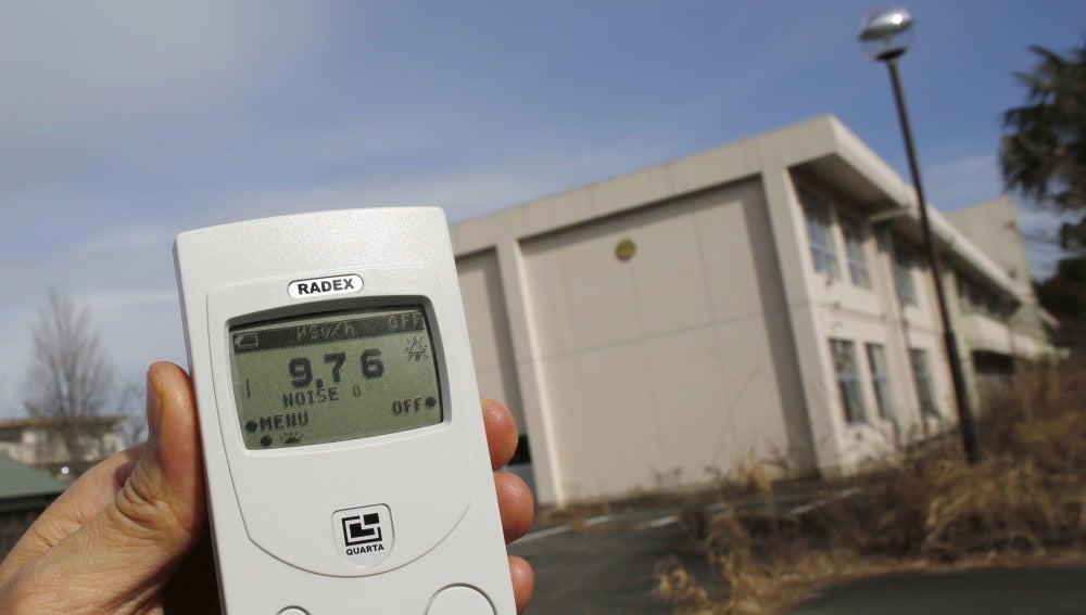 Nivel de radiación frente a una escuela
