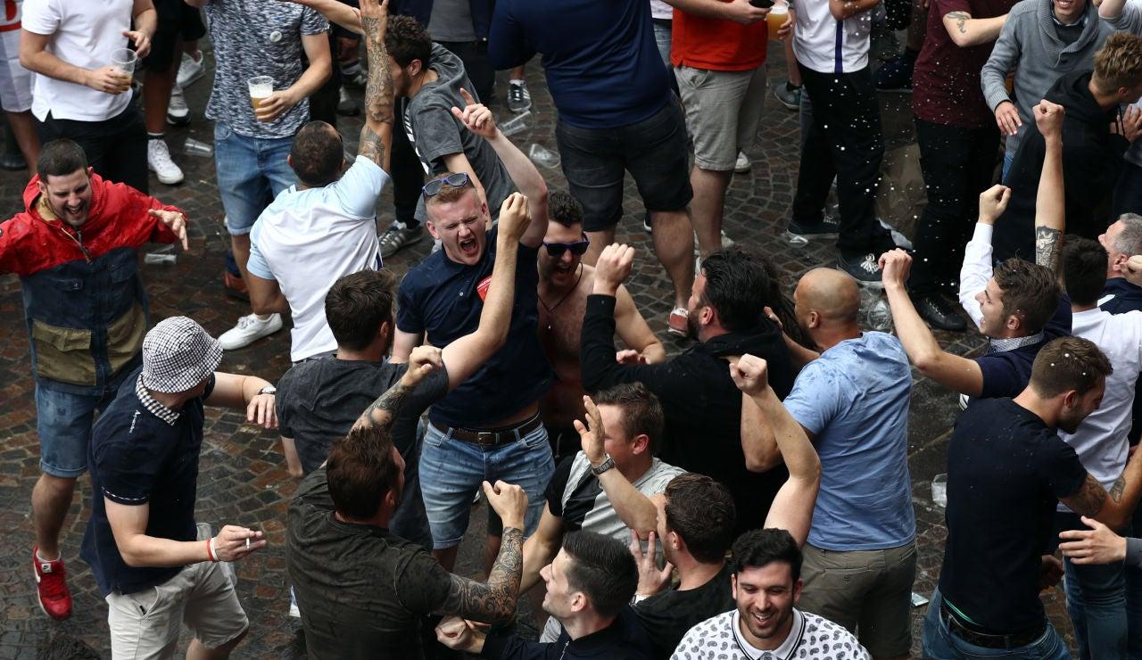 Los hooligans la 'lían' en Lille