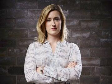 Ashley Johnson es la agente Patterson