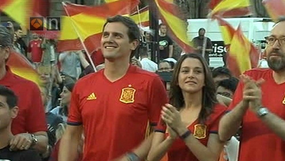 Albert Rivera, animando a la selección española