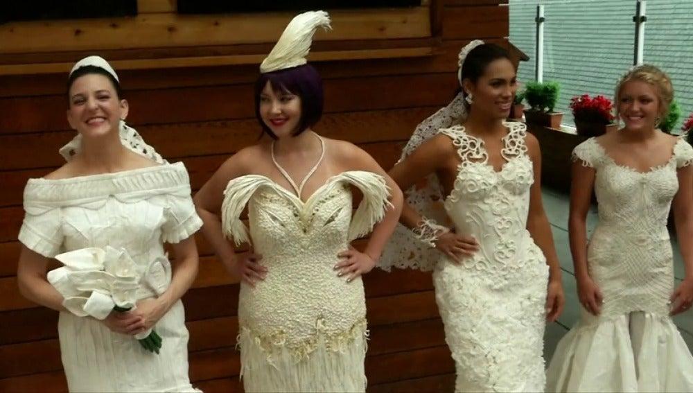 Frame 0.0 de: Los vestidos de novia más glamurosos, hechos de papel higiénico