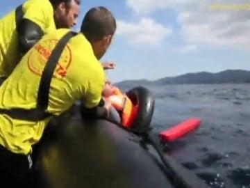 Frame 3.438135 de: Voluntarios españoles contarán con un gran velero para rescatar refugiados