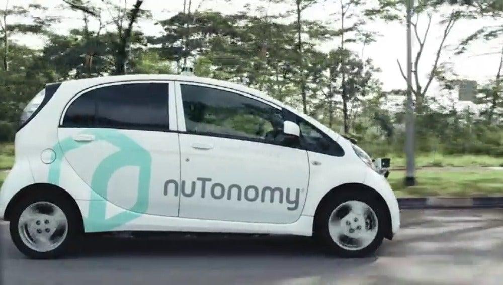 Frame 21.024936 de: El primer taxi sin conductor circula ya en pruebas por Singapur