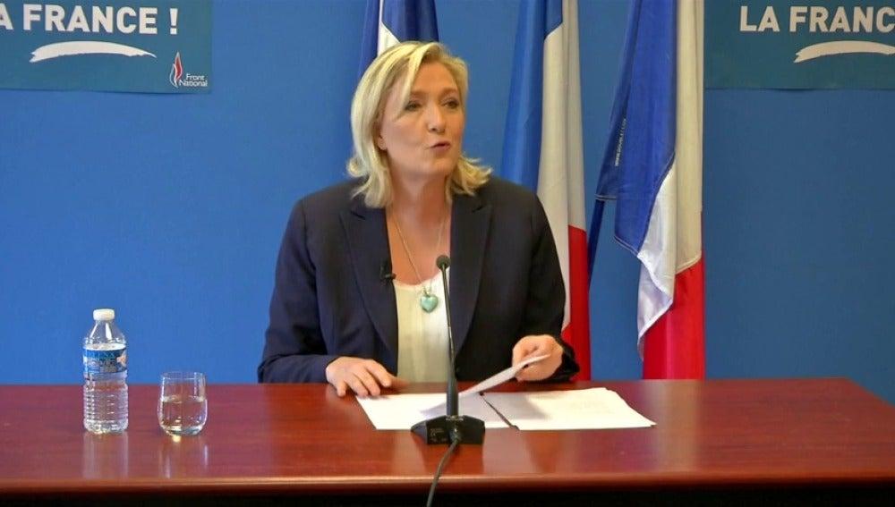 Frame 11.044816 de: Los líderes euroescépticos de Francia, Holanda e Irlanda piden un referéndum sobre la permanencia de sus países en la UE