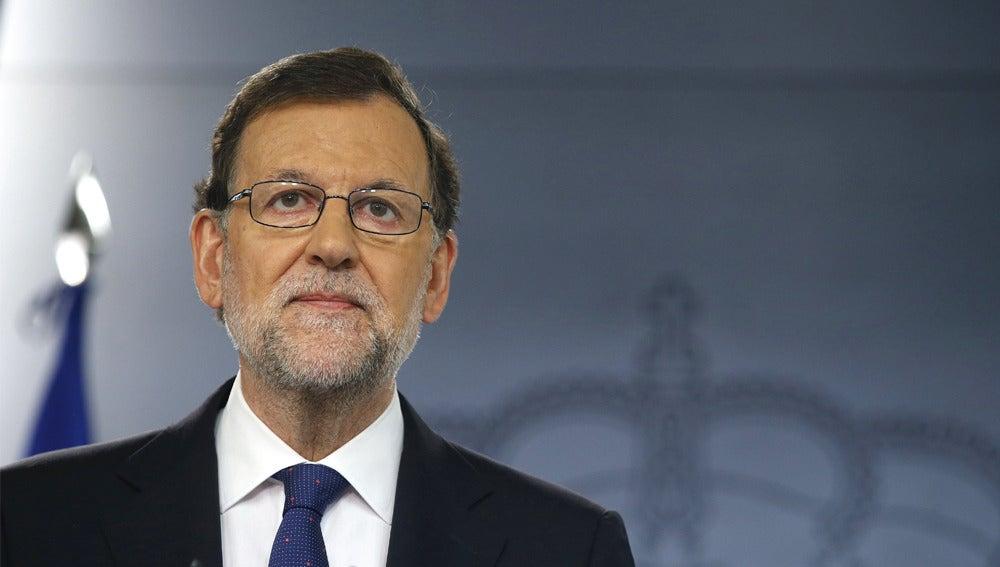 Mariano Rajoy compareciendo en la Moncloa
