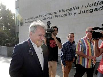 Alfonso Rus llega a la Ciudad de la Justicia de Valencia